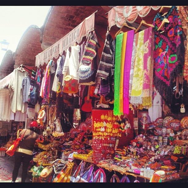 El Parian. .. Puebla, Mexico (Turismo)  Me encanta el colorido