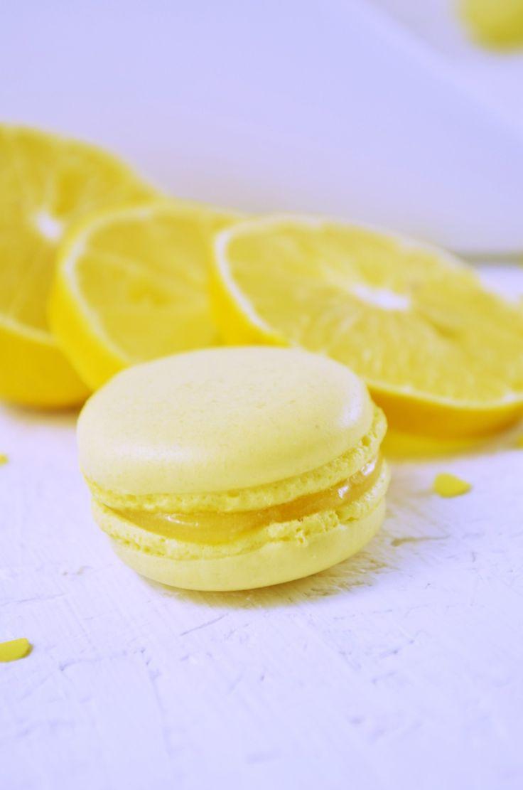 Süße Konfetti Macarons mit saurem Lemon Curd