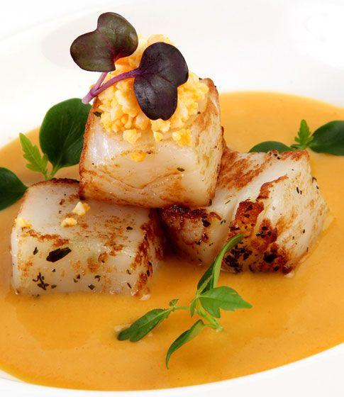 Emulsión de patata con huevo y vieira http://www.dondedijehuevodigodagu.com/post/49846809067/emulsion-patata-huevo-mario-sandoval