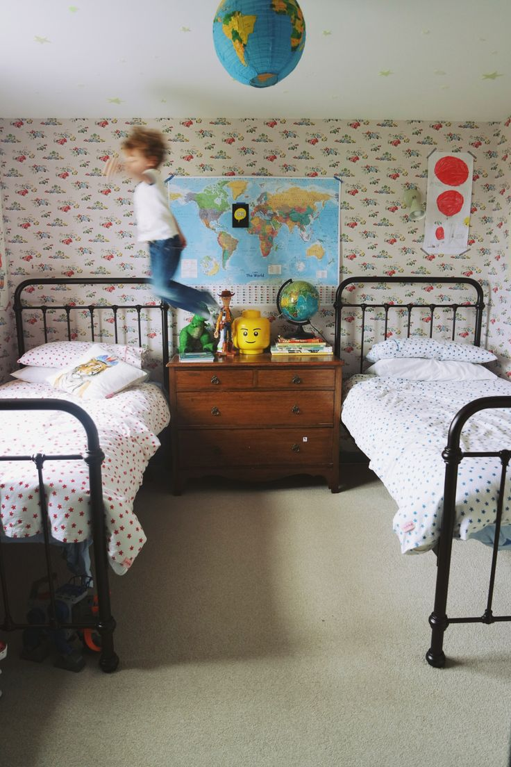 New Kids Sharing Rooms