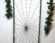 Incredibile 6 piedi ragno filatura suo traliccio di filo spinato Web