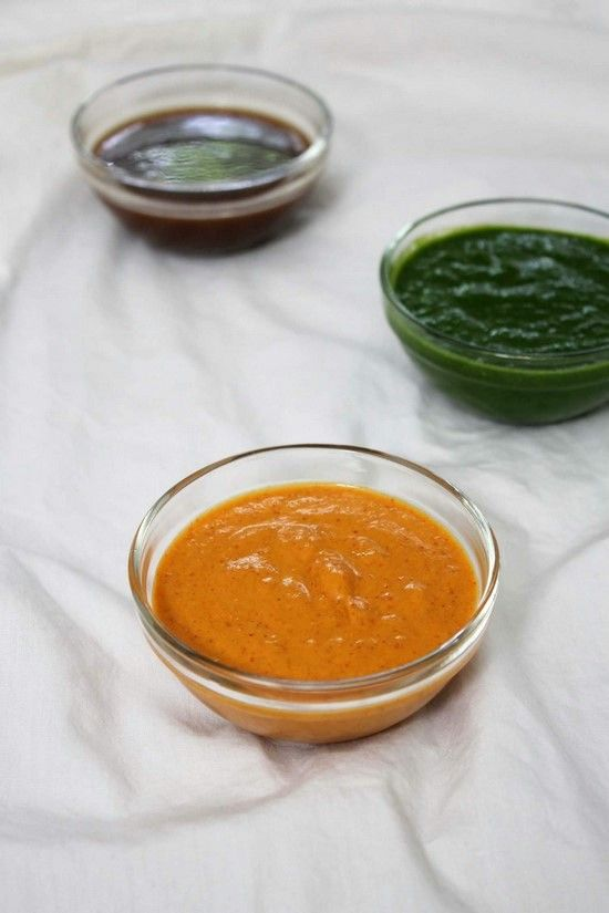 Red spicy chili garlic chutney for Indian chaat recipes. It has hot and spicy flavors