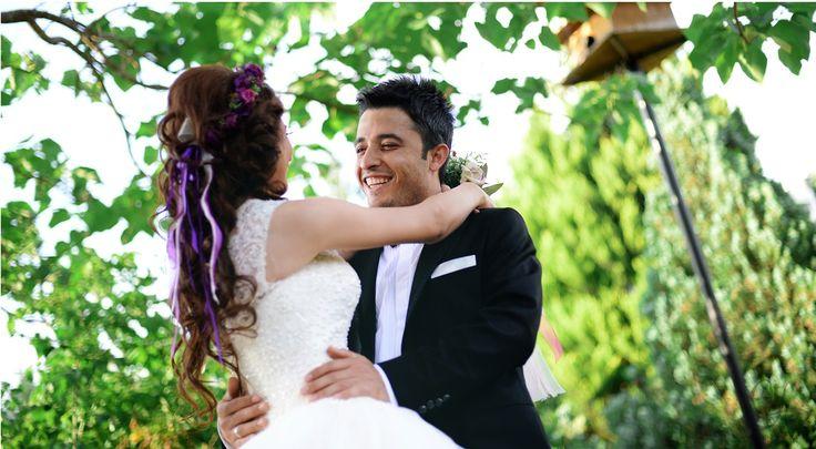 Adana'da çektiğim düğün fotoğrafları için : http://www.cihanyuce.com/dugun-fotograflari-2016-1/