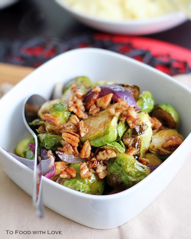 Crispy Roasted Brussel Sprouts with Maple Pecan Dressing via To Food with Love: Side Dishes, Crispy Roasted, Yummy Recipes, Pecans Dresses, Food, Roasted Brussels Sprouts, Maple Pecans, Dresses Recipes, Brussel Sprouts
