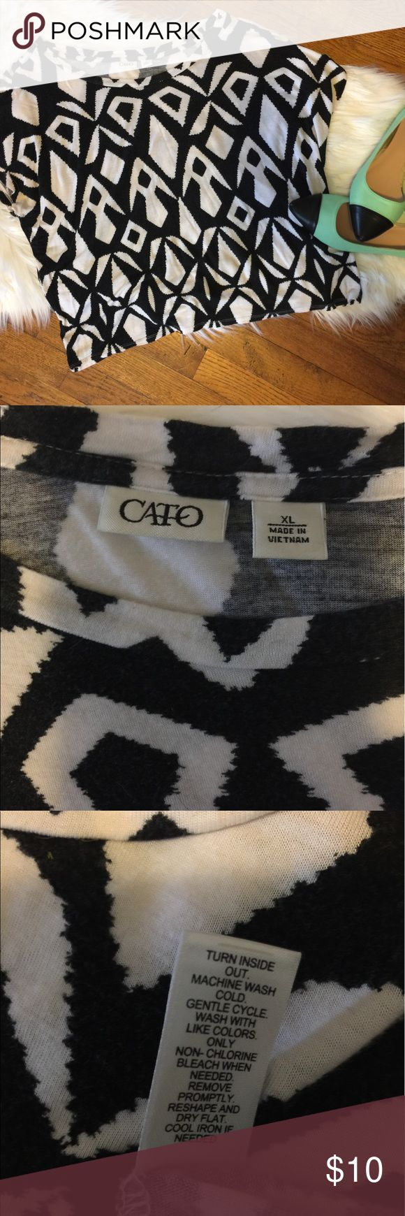 Black and White Cato's XL Aztec Print Crop Top Very pretty black and white Aztec print long crop top. 100% rayon. Very stretchy and comfortable. Some pilling. Great pre-loved condition. Cato Tops Crop Tops