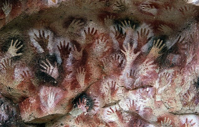 Pinturas rupestres prehistóricasThe Hand, Hands Prints, Caves Painting, Prehistoric Caves, Hunting Scene, Caves Art, Caves, Of The, Left Hands