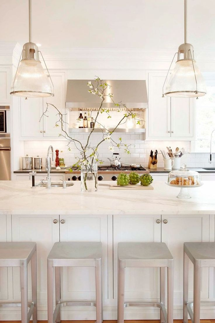 The White and Bright Kitchen - The Chriselle Factor