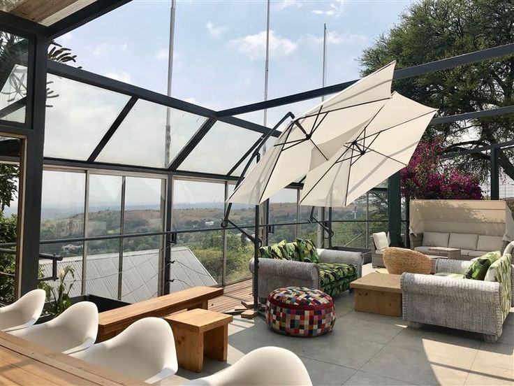 Pablo House - Pablo House is the highest point in Melville with 360' views spanning Johannesburg. This newly renovated gem boasts brand new bathrooms & comfy king beds. Join hosts Louis & Leigh and enjoy a coffee or ... #weekendgetaways #johannesburg #centralgauteng #southafrica
