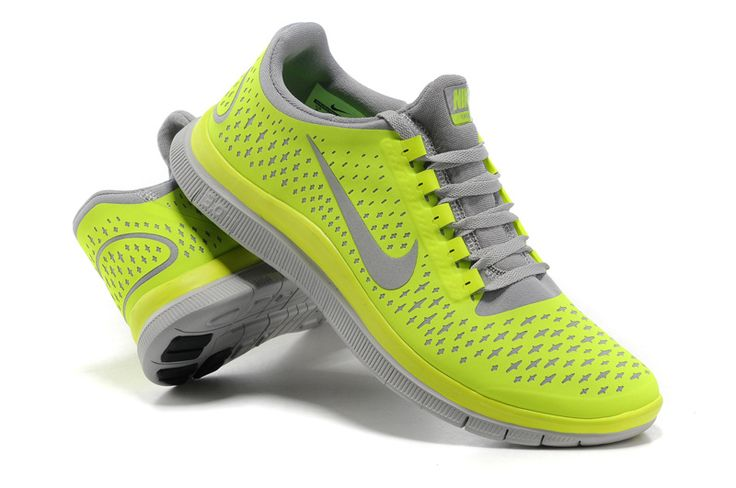 all nike shoes half off