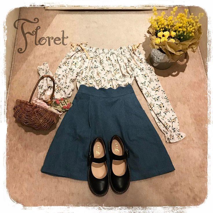 🌼春の訪れを感じさせる 小花柄ブラウスは、スカラップがキュートなデニムスカートとスタイリング❁❁ #fint #フィント #ananotherangelus #アンジェラス #fashion #code #vintage #retro