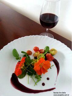 Redução de vinho tinto.