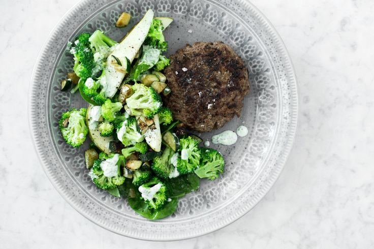 Broccolisalat med squash og pærer