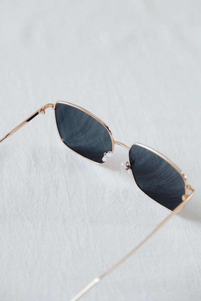 Thom Sunnies   Óculos, Usando óculos e Acessórios dc857ae0f3
