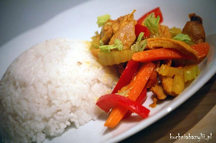 Kuchnia Bazylii: Pikantny kurczak z warzywami