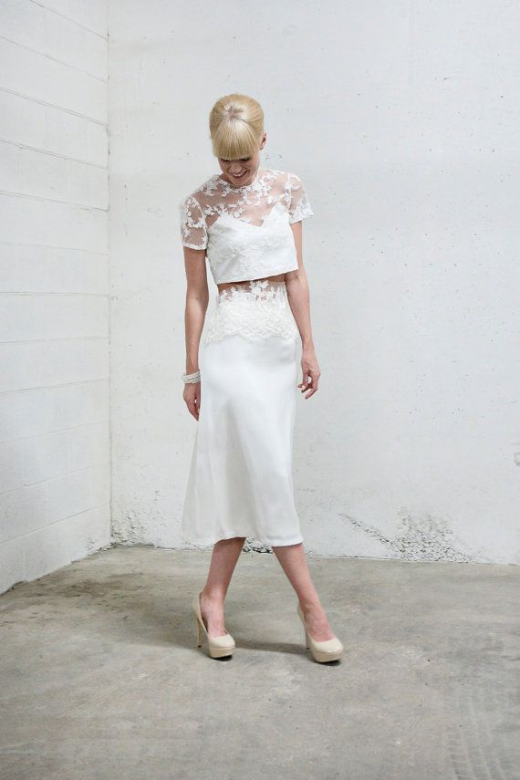 This gorgeous two-piece wedding dress by Anya Dionne would be the perfect outfit for a summer wedding! Read more on equallywed.com.