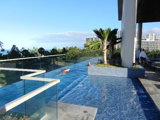 Trump International Hotel Waikiki Beach Walk Infinity Pool Reviews Tripadvisor Trumpwaikiki Guest Photos Hawaii Oahu