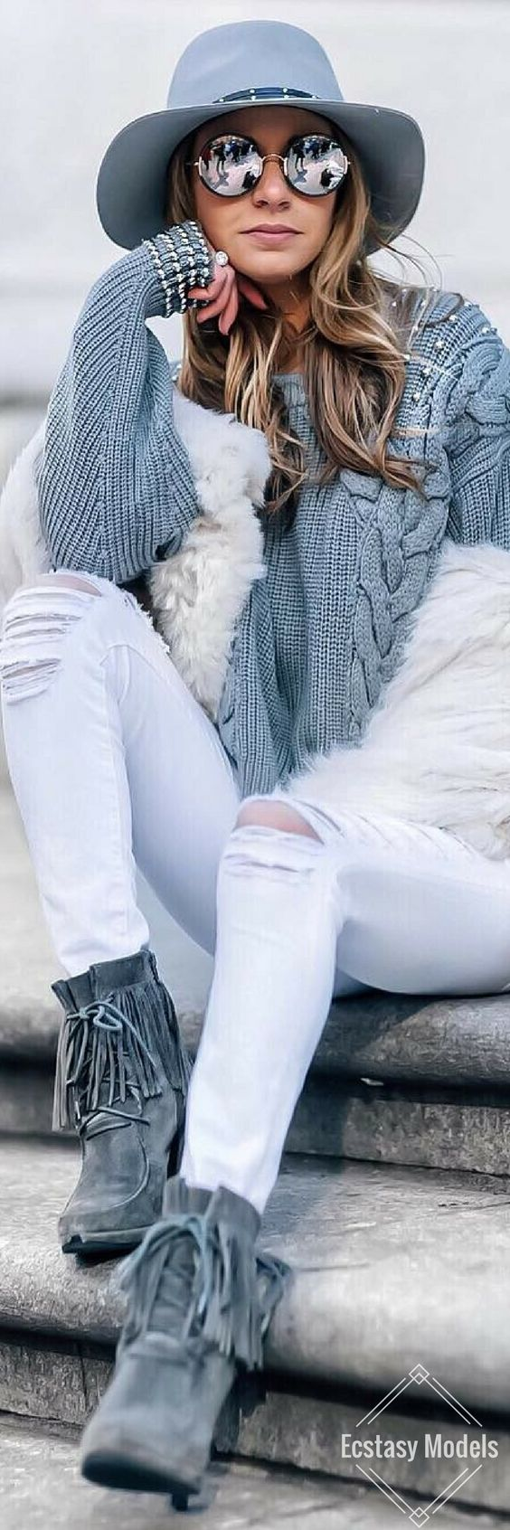 Artic Christmas • Fashion Look by Marni Danielle Harvey • Street CHIC • ❤️ Curated by Babz™ ✿ιиѕριяαтισи❀ #abbigliamento