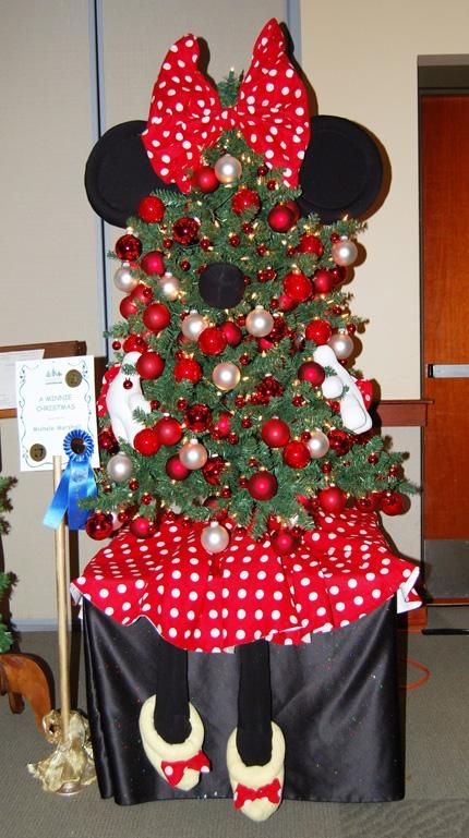 Christmas Tree Theme Ideas 2009 | The Spirit of Giving - Grand Traverse Insider - Morning Star ...