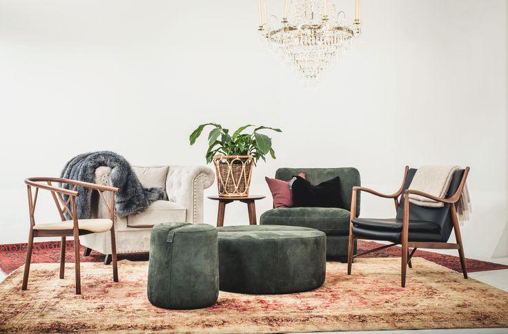 Gröna Baggen pallar, sammet, sammetspall, fotpall, puff, sittpuff, möbler, vardagsrum, sovrum, fåtöljer, inredning