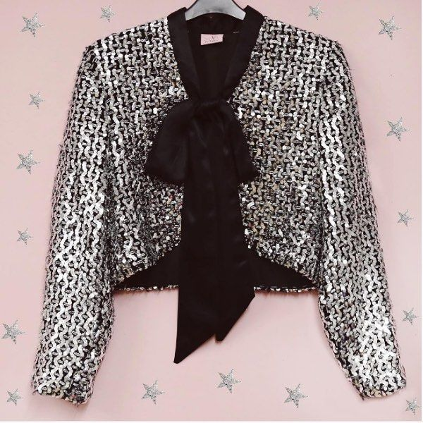 Sequin sparkles online now @asosmarketplace and in store @topshop Oxford Circus get glitz and glam this November  #peekaboovintage #vintage #clothing #sequins #sparkles #blazer #bow #trendy #fashion #ootd #party #mymarketplace #shopping #style #shimmer