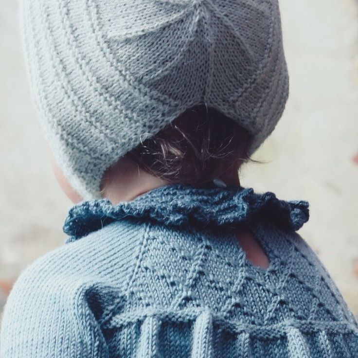 Little Mary's Krave via Little Edith's Knit. Click on the image to see more!