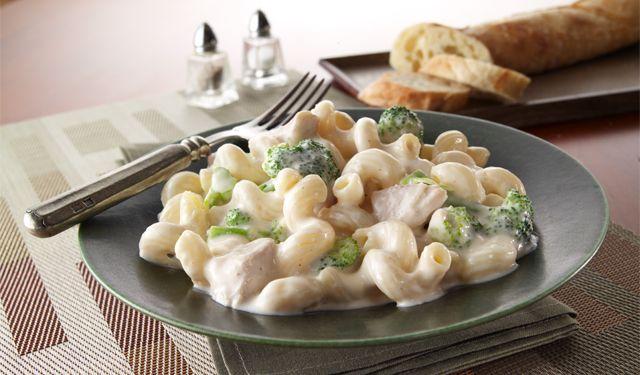Cheesy Alfredo with Chicken & Broccoli