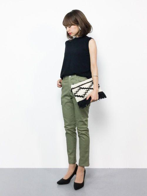 AZUL by moussyのタンクトップ「バックレイヤードノースリニットPO」を使ったeriko(ZOZOTOWN)のコーディネートです。WEARはモデル・俳優・ショップスタッフなどの着こなしをチェックできるファッションコーディネートサイトです。