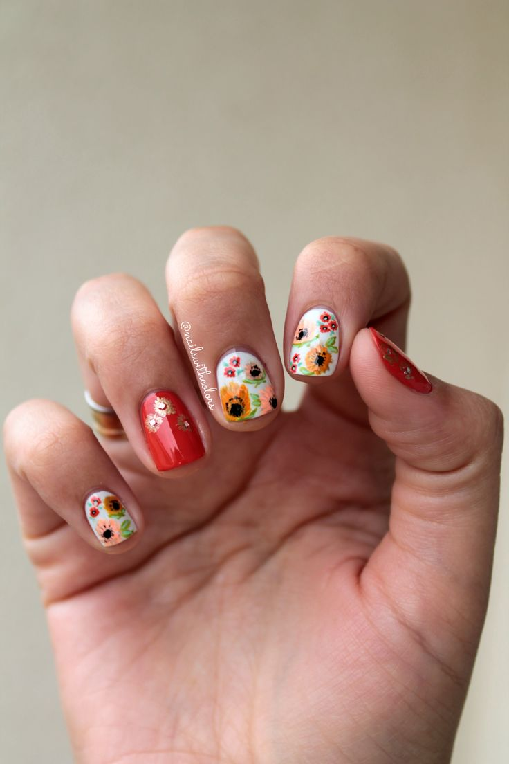 Floral mani inspired by incredible Instagram nail artist @kgrdnr