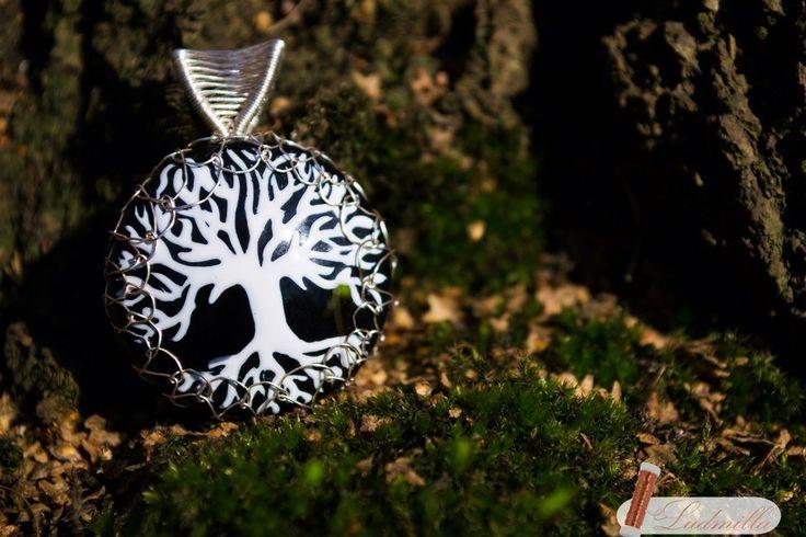 Wire wrap tree of life. Wood, nail polish, silver. Ludmilla Ars #polandhandmade #jewellery