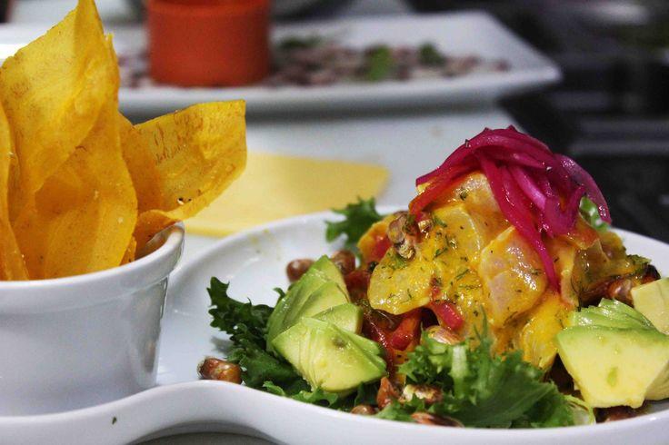 Y para teminar semana... Ceviche Amarillo en Daniel! www.daniel.com.co/menu
