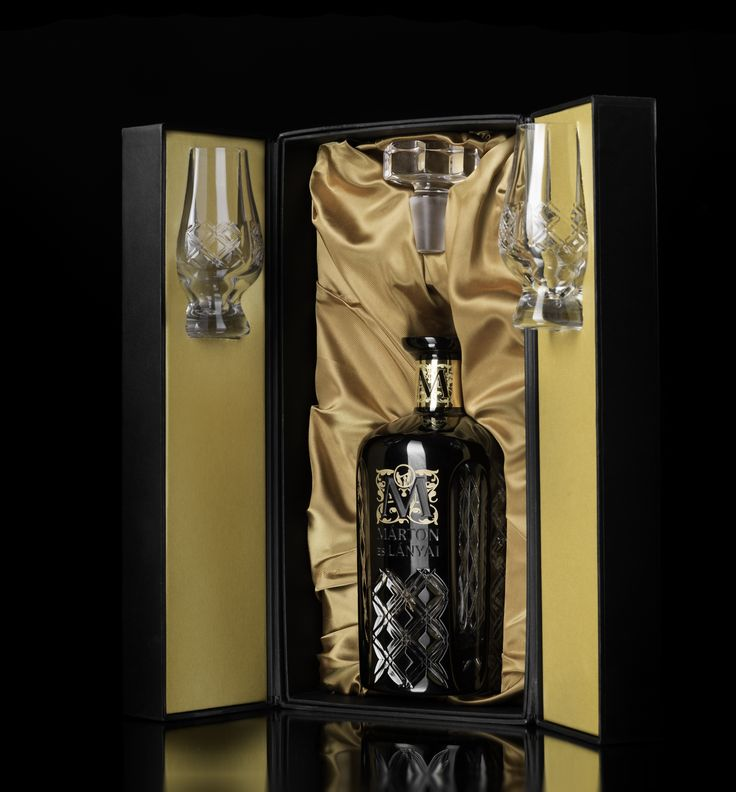 Luxury rigid box for drink
