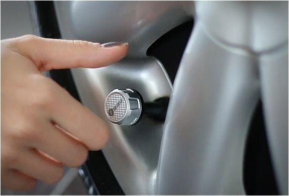 O Sensor de Pressão para PneusFobo, é um novo Sistema de Monitorização da Pressão dos Pneus (sigla em inglês, TPMS) com emparelhamento Bluetooth que transmite informações dos pneus para o seu aparelho iOS ou Android. Ele vem
