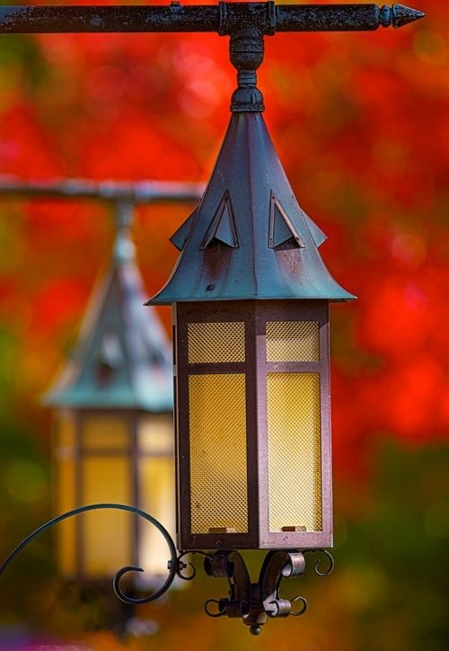 fall lanterns - these would be great with a craftsman-style front porch