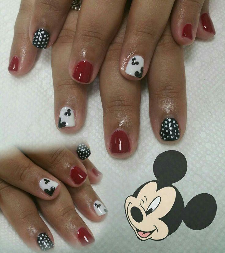 Disney Nails 😍💅 #mickey #disneynails #mickeydesing #mickeymouse #mickeymousenails #shellac #essiegel #essienails