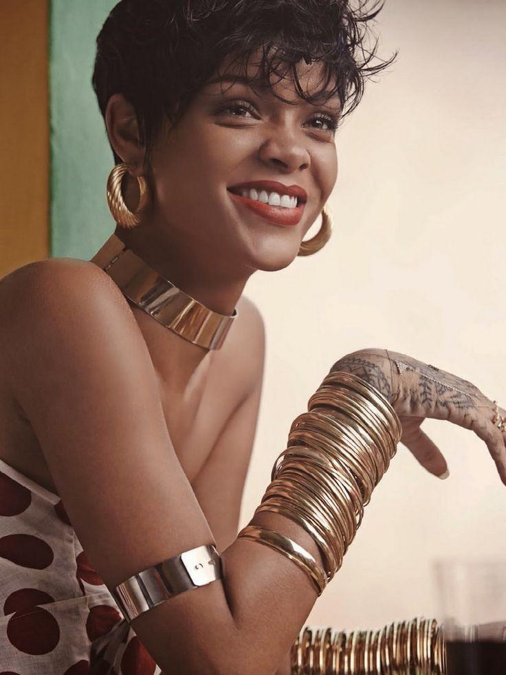 Rihanna é nossa: com vocês, as capas da edição de maio da Vogue Brasil - Vogue | News