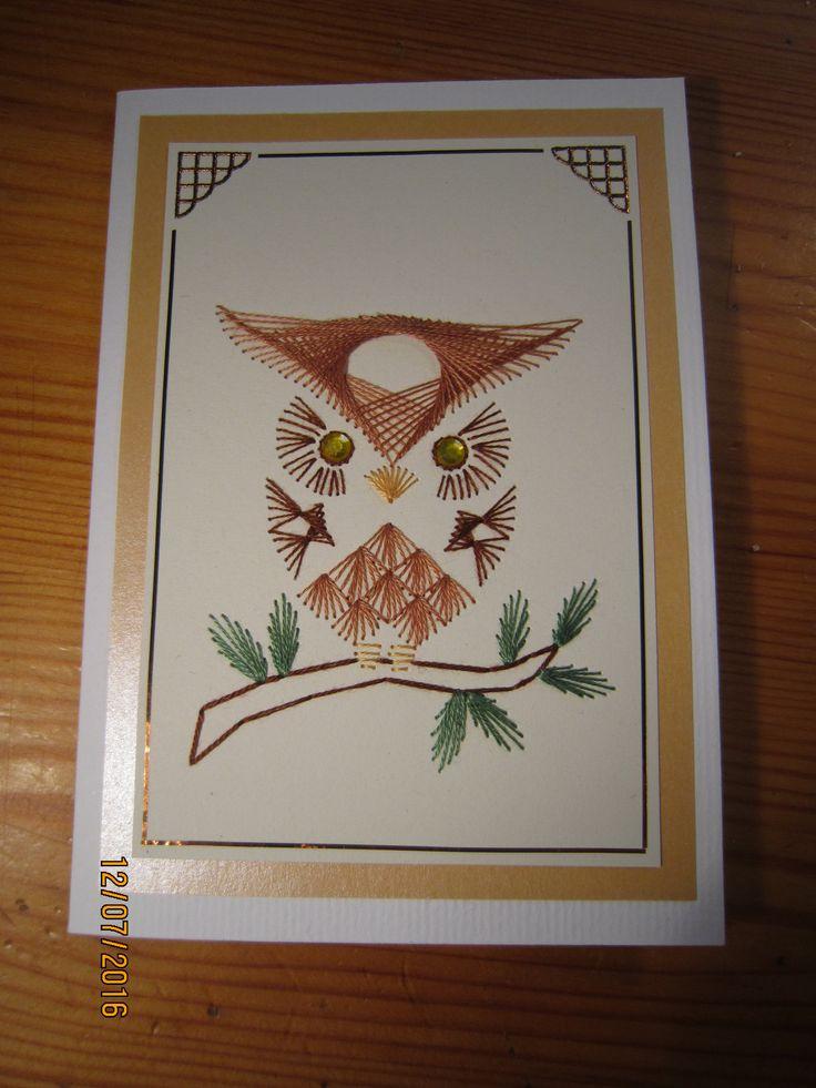 Koska en pöllökorteissa osannut päättää laitanko ruskeat vai keltaiset silmät, niin tein kaksi pöllöä.