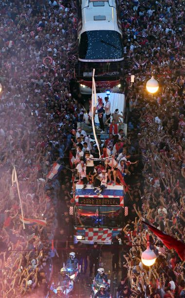 Croatian National Football Team Players Ride A Bus As People Gather For A Heroes Welcome In Tribute National Football Teams National Football Football Team