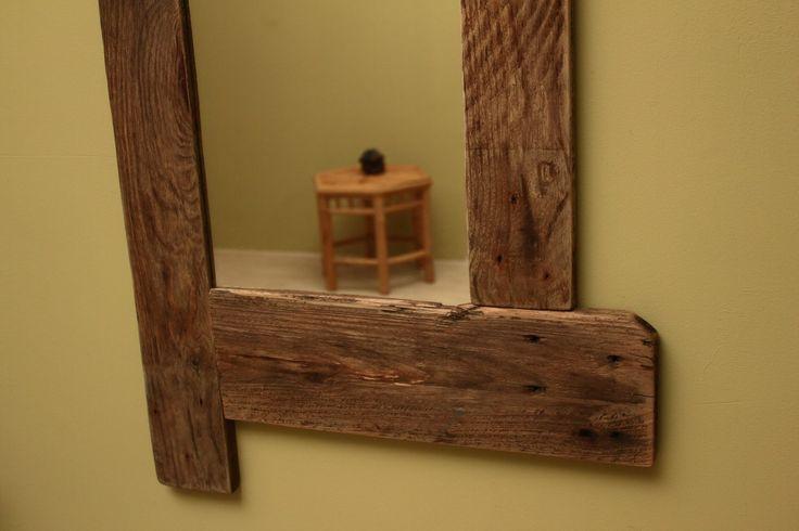 Spiegel van pallethout. Model 'Wiek'