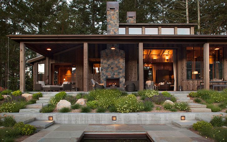 Дом мечты из дерева в лесу. Современный дизайн деревянного дома
