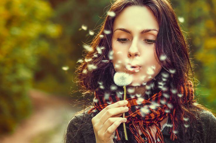 Als je hooggevoelig bent, ben je extra gevoelig voor je omgeving. Je komt ergens binnen en je voelt of de sfeer gemakkelijk is of gespannen. Je ontmoet iemand en voelt…