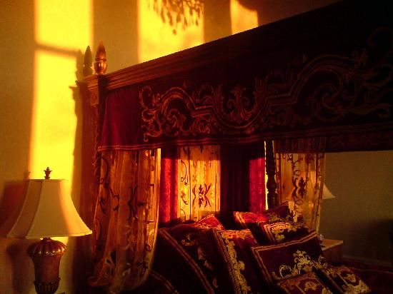63 best indian decor images on pinterest moroccan decor moroccan style and morocco for Arabian bedroom ideas