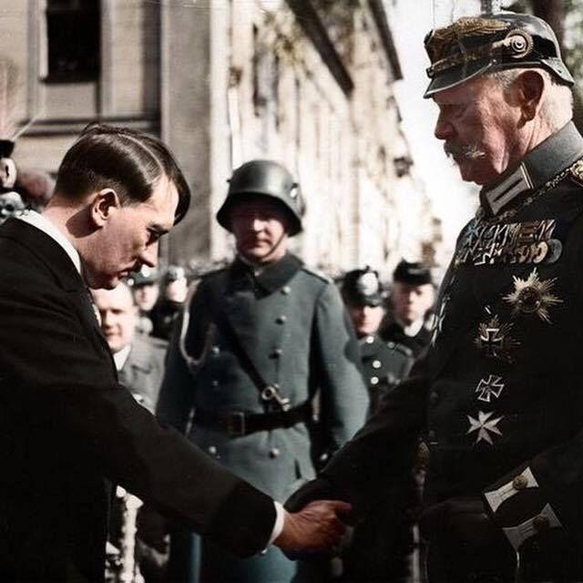 "ostfeldzug: "" Adolf Hitler with Generalfeldmarschall and German President Paul von Hidenburg. """