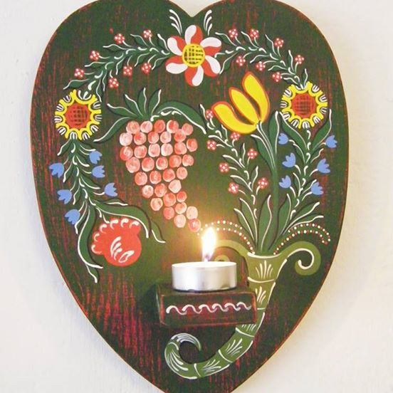 Hand painted wooden candle holder: ~ 28 cm x 22 cm x 2 cm