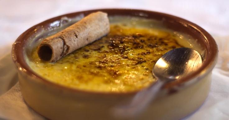 Crema Catalana, la estrella de la cocina catalana http://es.blog.hotelnights.com/la-cocina-catalana-mucho-mas-que-pa-amb-tomaquet/