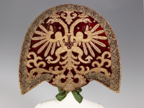 Kokoshnik Ceremony headdress of a peasant woman from Biruchensk Region, Voronezh Province, Russia. Early 20th century. Originally these grew from the shaman cultures, maidens were not allowed to wear them, mothers wore them with smaller horns and the grandmothers wore the largest horns. When Christian religion came, they destroyed the shaman cultures and gave the power to the maiden, thus the wedding headdress symbolically means a loss of personal power - Metropolitan Museum of Art