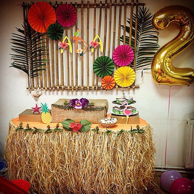 Hawai aloha party for birthday girl