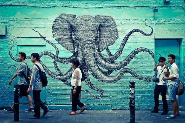 Lestreet art àLondresest à tous les coins de rue et l'East enden est son temple. Lors de mon dernier séjour, j'ai fait le choix de consacrer une journée à ce quartier branché en me laissant porter de rue en rue par cet art et ces fresques parfois fascinantes. Pour préparer cette balad…