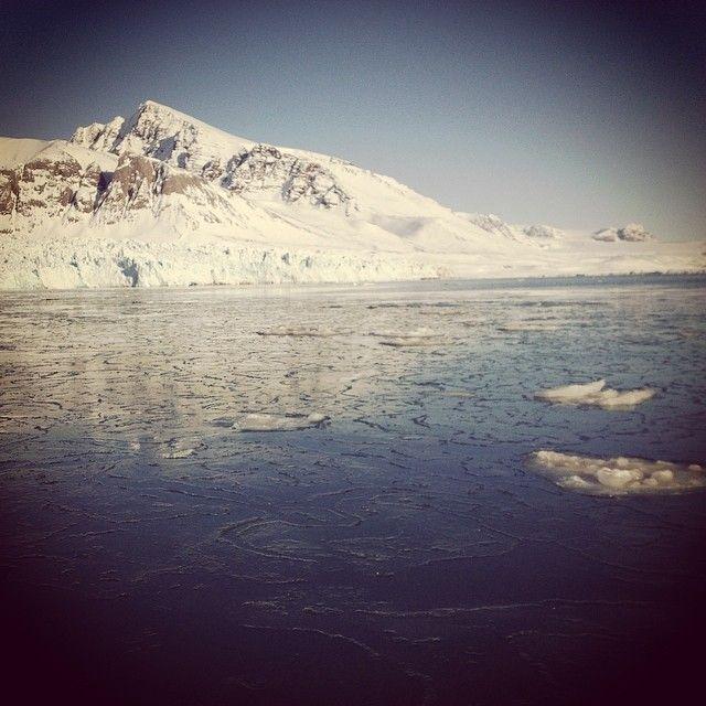 При какой температуре замерзает морская вода? | #Арктика #Лед #ПопНаука | #профессия #географ #специальность #океанология #метеорология #гидрология исследуем #океан #атмосфера #лед #климат - применяем знания из #школа по #физика #химия #биология #математика #география #экология - выбираем #вуз #спбгу #мгу #рггму и другие!