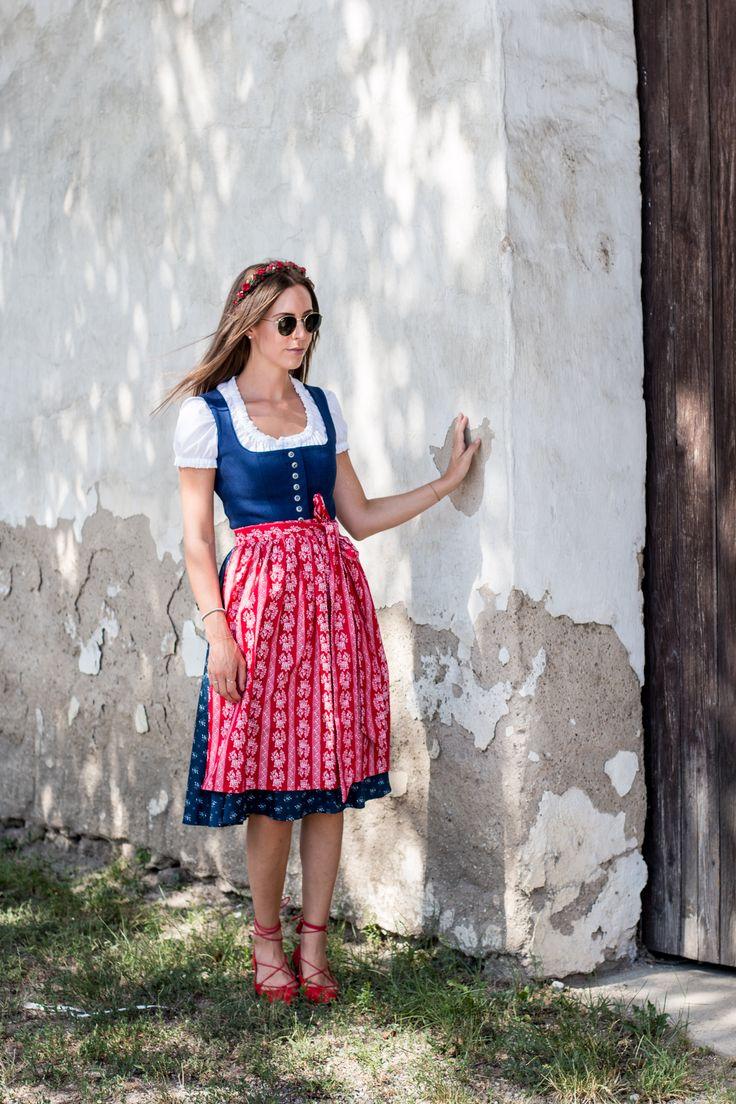 Ihr wisst ja, dass ich ein echtes Dirndl-Dirndl bin. Also so richtig. In Salzburg ist das Tragen von Tracht, im Gegensatz zu Wien oder anderen Bundesländern, nicht nur den offiziellen Feiertagen vorbehalten, sondern ist an jedem beliebigen Tag ein gern gesehenes Kleidungsstück. Nicht ohne Grund gibt's inoffiziell den wichtigsten Feiertag der Woche, den Lederhosen Donnerstag,...
