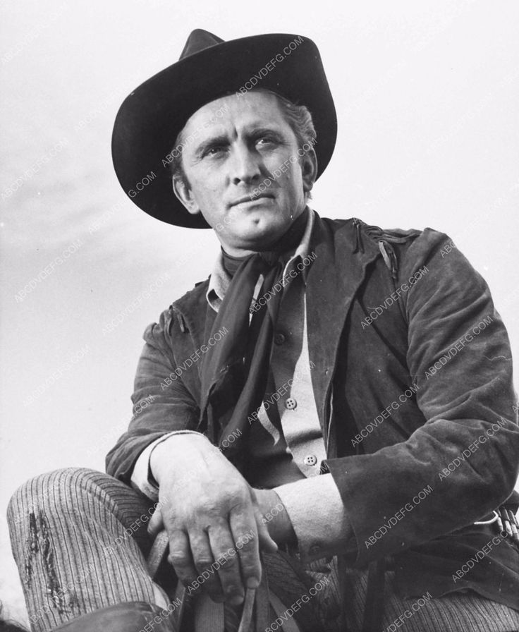 Kirk Douglas poses for a western portrait 2245-31